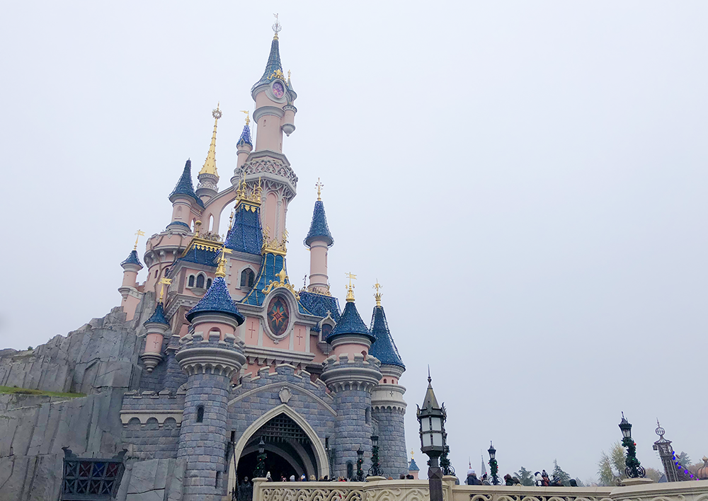 Disneyland Paris castle | Empfire