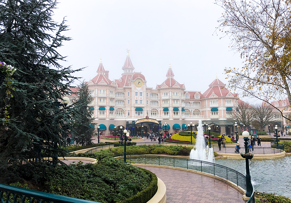 Disneyland Hotel at Disneyland Paris | Empfire